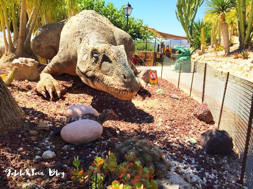 dinopark-parque-tematico-dinosaurios-algar-valencia-excursiones-con-niños