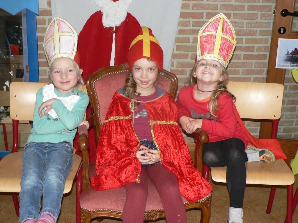 Sinterklaas op bezoek - P1270219.JPG