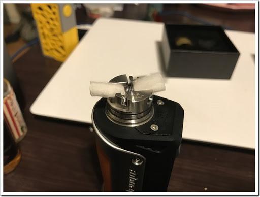 IMG 4408 thumb - 【ウルテムバンザイ】ADVKEN Gorge RDA(アドビケン・ゴージRDA)レビュー!狭い本体から作られるシングルビルドの濃厚ミストは、エアフロー全開でも美味!?