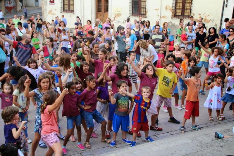 Festa infantil i taller balls tradicionals a Sant Llorenç  20-09-14 - IMG_4326.jpg