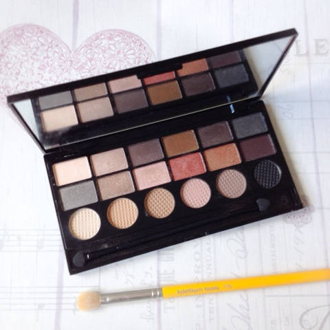 makeup-revolution-run-boy-run-eyeshadow-palette