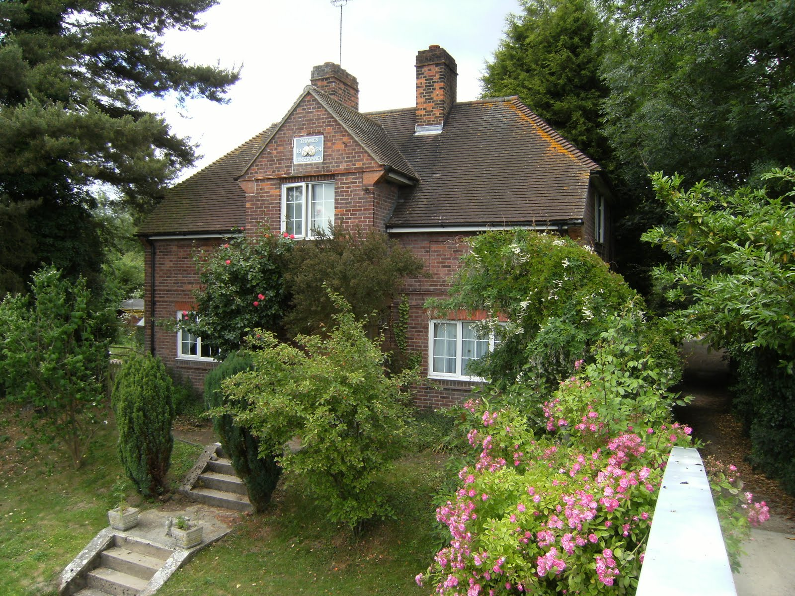 1006190004 Lock-keeper's cottage