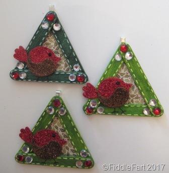 [Craft+Stick+Robin+Christmas+Tree+Decorations%5B7%5D]