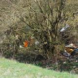 Bû et ses dépotoirs d'ordures dans la forêt. 22 mars 2012. Photo : J.-M. Gayman
