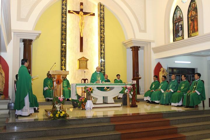 Hình ảnh Đức Tổng Giám Mục Leopoldo Girelli thăm  Tòa Giám Mục Nha Trang và chủ sự thánh lễ cầu nguyện cho lớp thần học liên tu sĩ