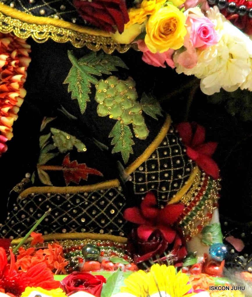 ISKCON Juhu Sringar Deity Darshan on 31st Dec 2016 (13)