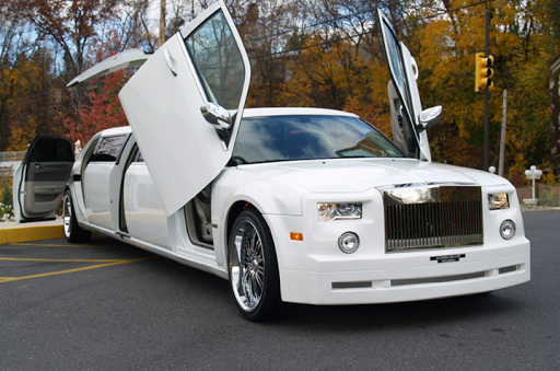 Bạn đang có nhu cầu thuê xe Limousine tại TPHCM chất lượng ?