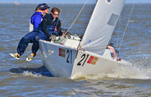 J/22 sailing upwind off New Orleans