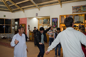 Musical Dance at Eagles' Nest, Duikher