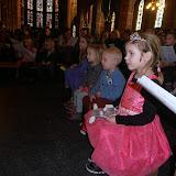Kindje wiegen St. Agathakerk 2013 - PC251134.JPG