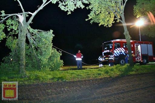 Noodweer zorgt voor ravage in Overloon 10-05-2012 (38).JPG