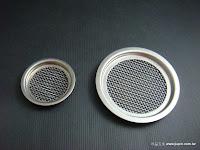 裝潢五金品名:M8003-通氣片規格:寸15/寸8孔材質:白鐵功能:可裝在門片上有通風之功能玖品五金
