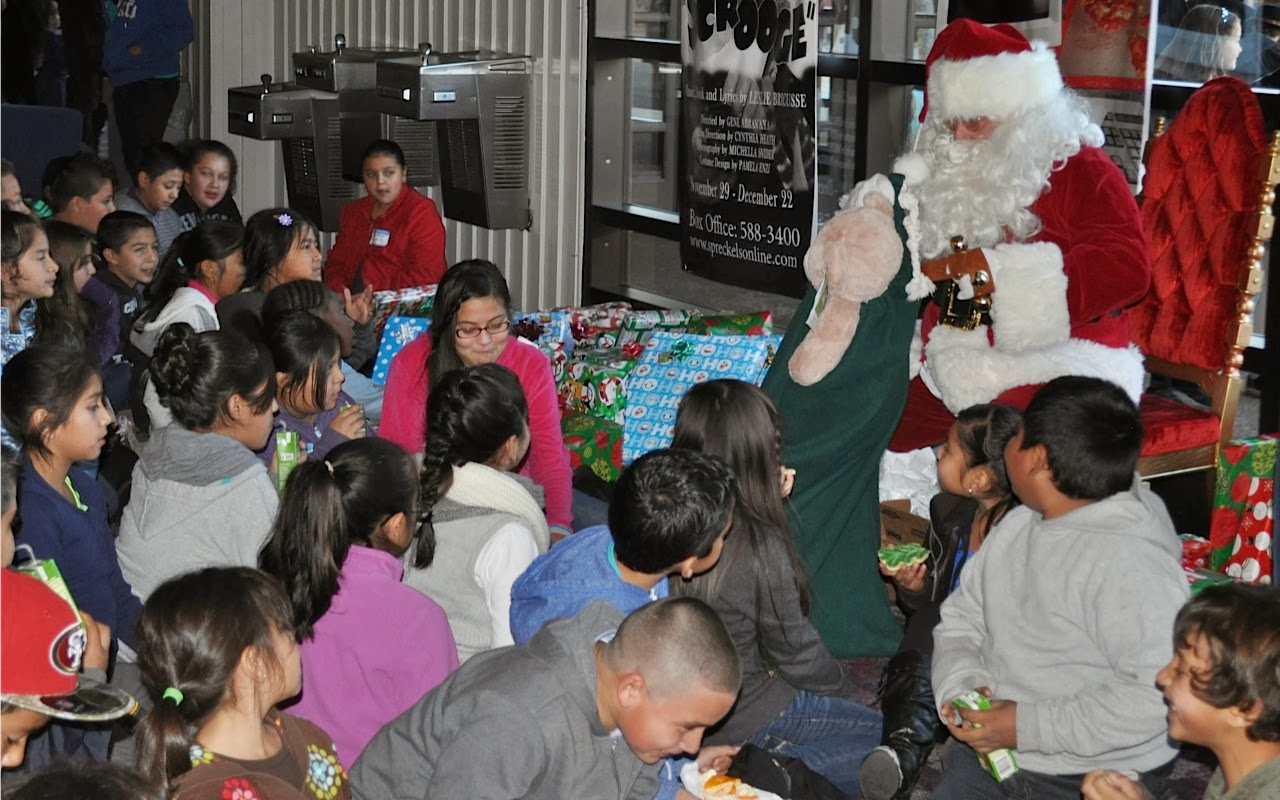 2013 Rotary Childrens Cristmas Party - DSC_0614.jpg