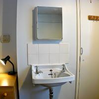 Room 03-sink