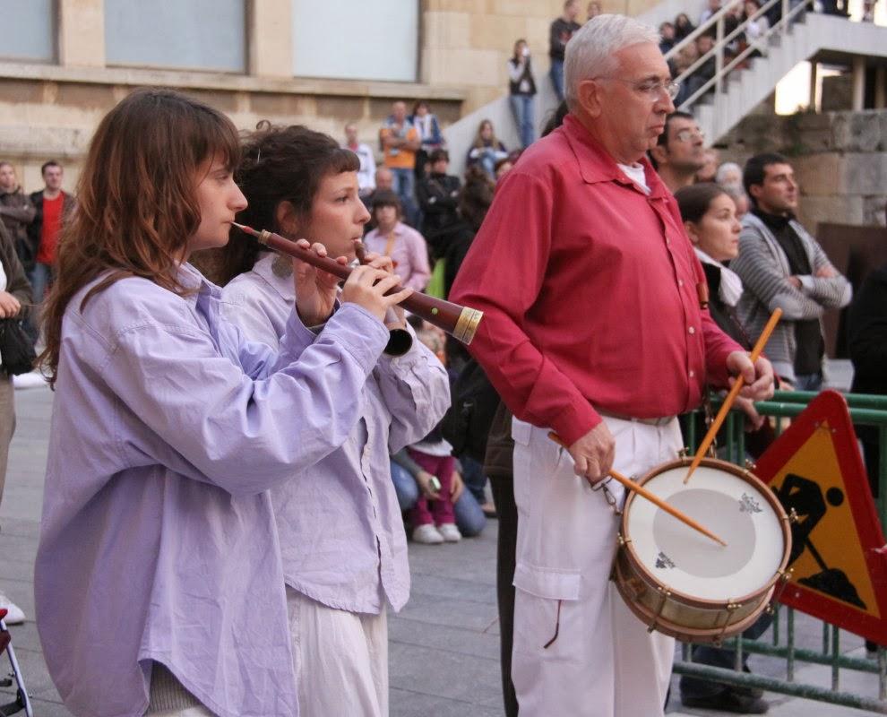 Diada dels Xiquets de Tarragona 16-10-10 - 20101016_190_grallers_MdS_Tarragona_Diada_dels_Xiquets.jpg