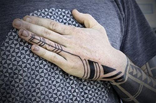 mao_tatuagens_mais_legais_projetos_do_tattoo_3