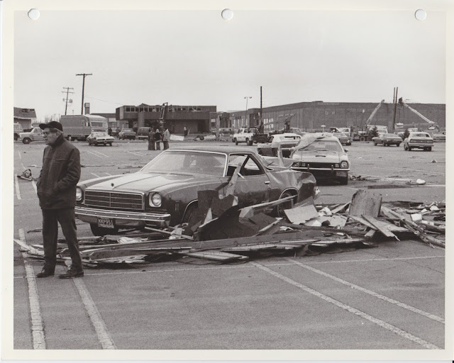 1976 Tornado photos collection - 81.tif