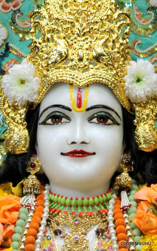 ISKCON Juhu Sringar Deity Darshan on 21st Oct 2016 (35)