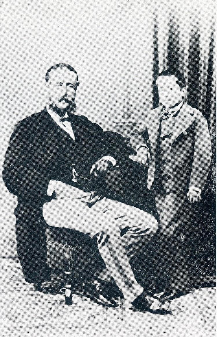El Capitán LASTRA con su hijo en 1.870. Del libro Capitanes de Cantabria.JPG