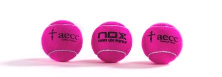 NOX presenta su bola más solidaria en colaboración con la Asociación Española Contra el Cáncer.