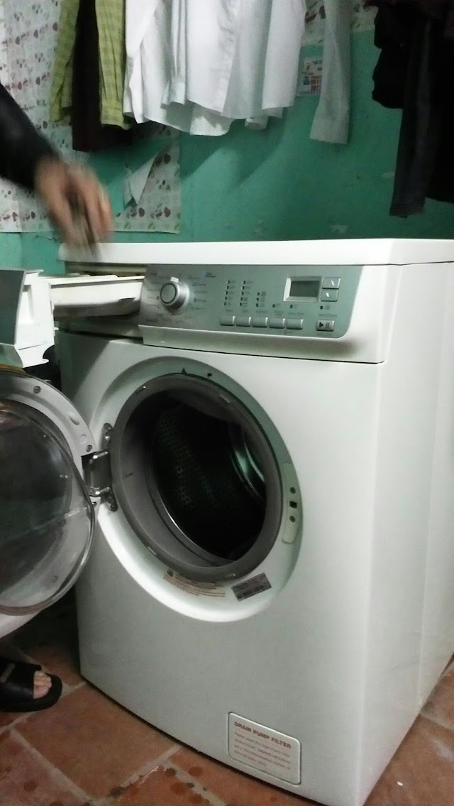 Cần bán Máy giặt sấy Electrolux EWW1273 (EWW-1273) - Lồng ngang, 7 Kg