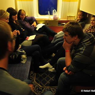 Kalju noored külastamas Nässjö Misjonikirikut Rootsis