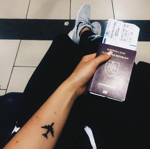 este_blackwork_avio_de_passageiros