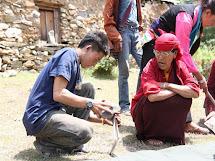 Člověk v tísni pomáhá v oblastech odřízlých od tradičních trhů sesuvy půdy. (Foto: Archiv ČvT)