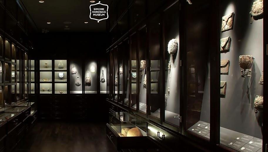 ภายในพิพิธภัณฑ์แห่งนี้ มีส่วนที่ใช้ในการจัดแสดงกระเป๋า handbag