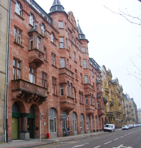Along Avenue Foch, in the Imperial Quarter