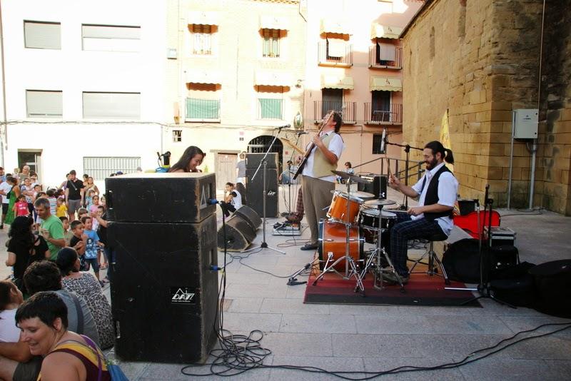 Festa infantil i taller balls tradicionals a Sant Llorenç  20-09-14 - IMG_4270.jpg