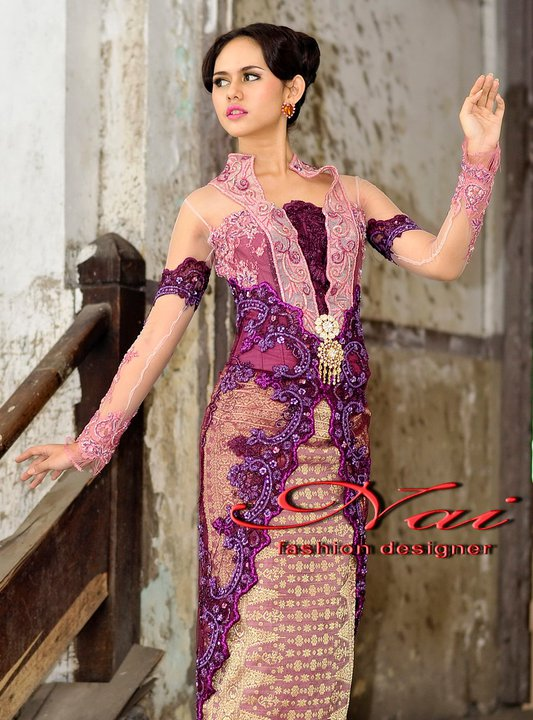 Fashion: model kebaya