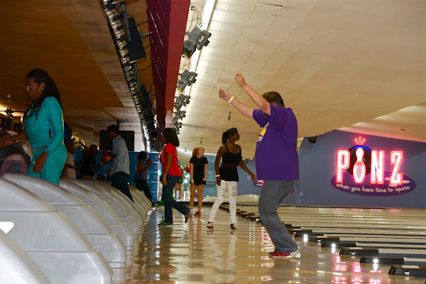 KiKi Shepards 9th Celebrity Bowling Challenge (2012) - IMG_8522.jpg