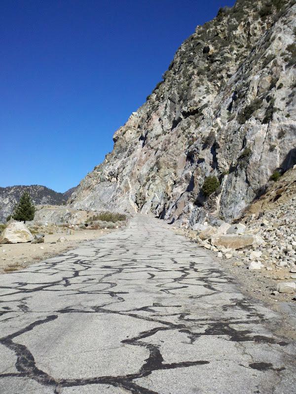 Dawson Saddle Traverse • San Gabriel Canyon Road