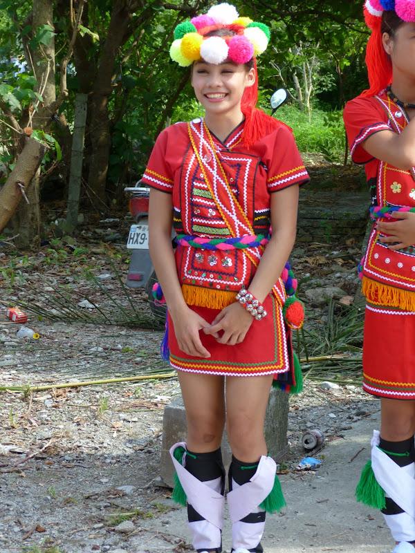 Hualien County. Liku lake. Danses Amis J 2 - liyu%2B2%2B394.JPG