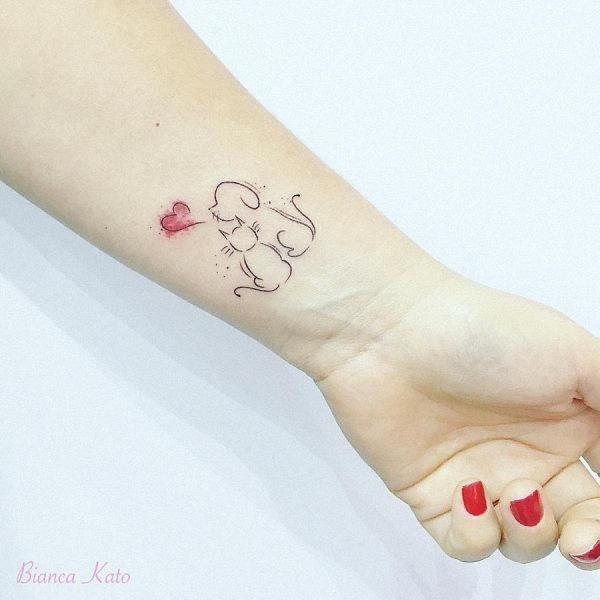 este_elegante_gato_e_de_co_de_tatuagem
