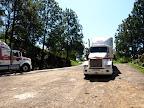 Grosse Trucks schlingelten sich die Bergstrasse hinauf