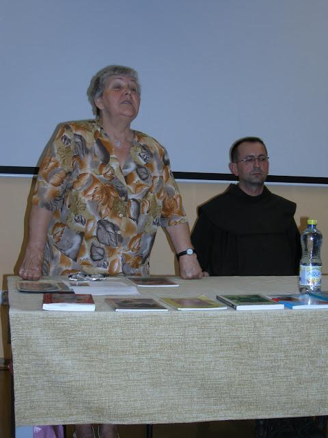 Spotkanie z autorem książek o św. Janie z Dukli i św. Janie Pawle II – Jadwigą Nowak - P6120066.JPG