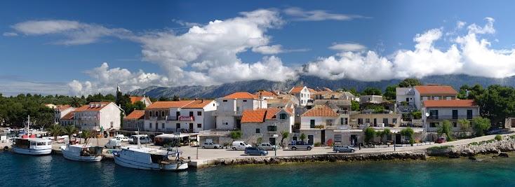 Der Hafen von Sućuraj am Ostende der Insel Hvar