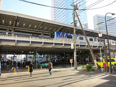 山手通の上にある中目黒駅の東横線