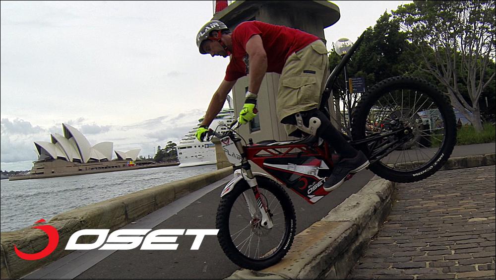OSET_jack_field_sydney_loc_04_promenade_stunts_22a.jpg
