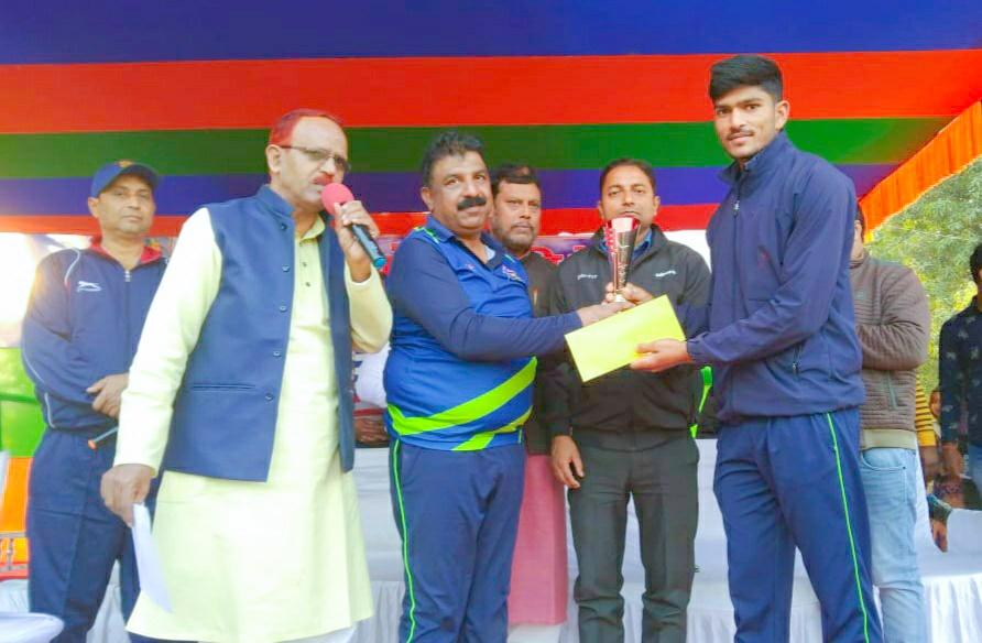 शिवहर को आठ विकेट से हराकर फाइनल में पहुंचा जगदीशपुर, फाइनल में सिवान से मुकाबला