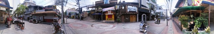 アンヘレスのココモスレストラン前で360度パノラマ撮影