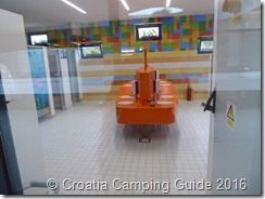 Croatia Camping Guide - Camp Simuni Toilets