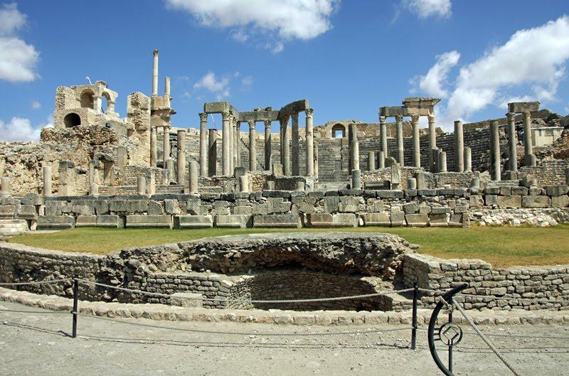 Plano alargado das ruínas