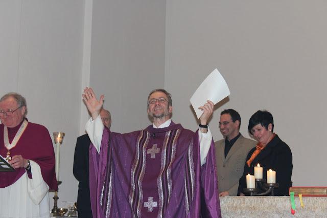 Überreichung Ernennungsurkunde  Pfarrer Müller 2012 - IMG_6766.JPG