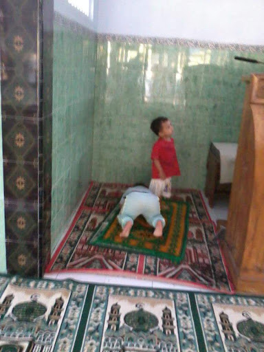 Alasan Tidak Mengajarkan Bacaan Sholat Kecuali Al Fatihah Dan Surat