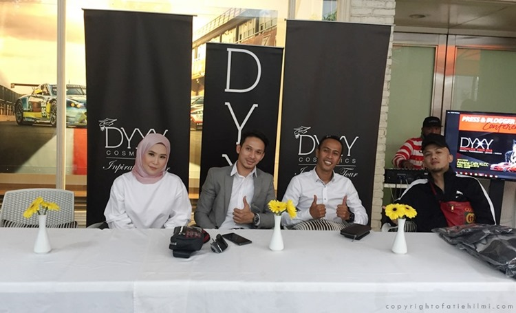 press_conference_dyxy_showcase_2018