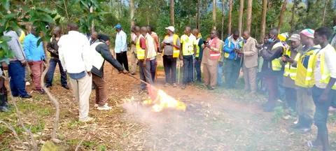 Kisii Bodaboda riders burning DP Ruto's campaign materials.