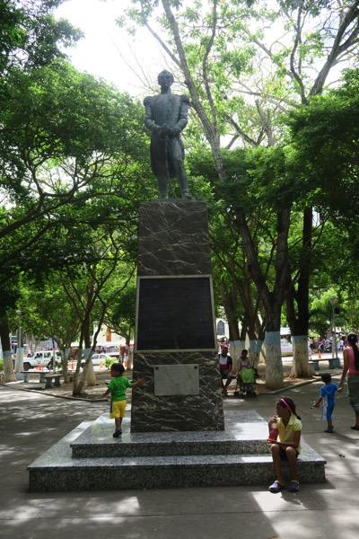 Statue to Santiago Marino
